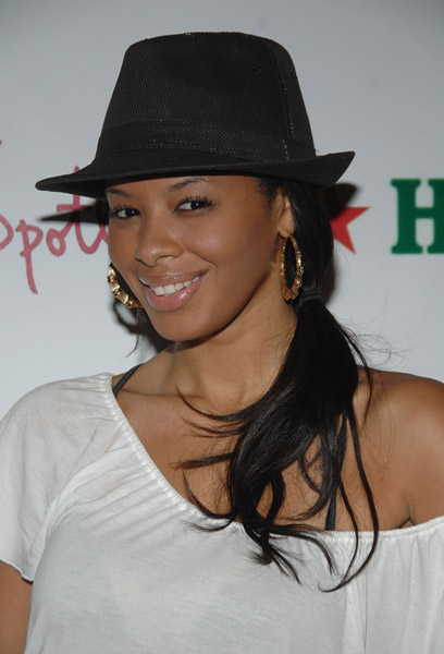 Vanessa Simmons with Fedora