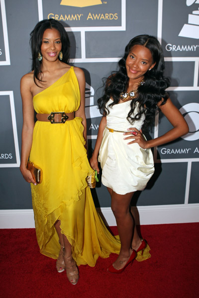 angela-and-vanessa-at-grammy-2009