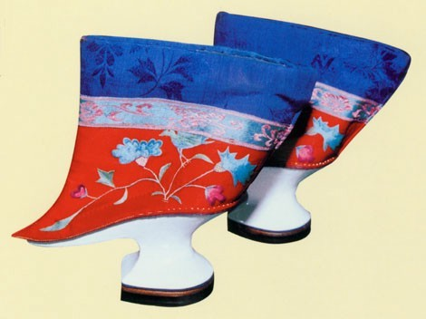shoes-with-flower-pot-soles