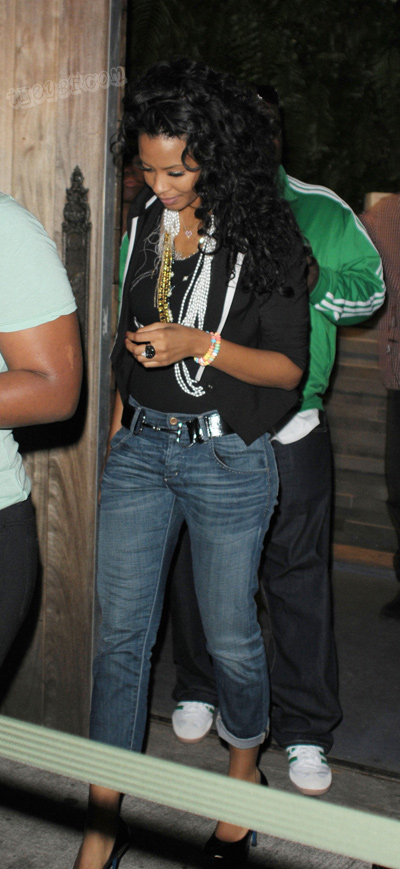vanessa-simmons-partying-in-miami