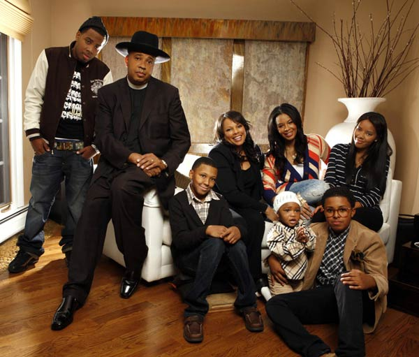 runs-house-season-6-cast-photo-01