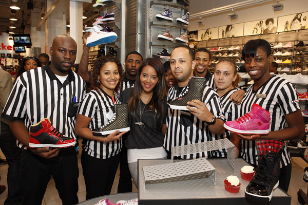 angela-simmons-foot-locker-herald-square-081