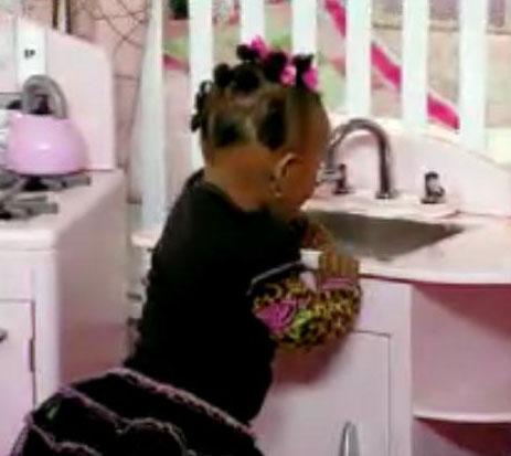 miley-tiny-kitchen