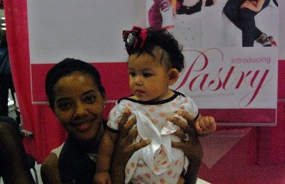 Pastry Fan Selena's daughter with Angela Simmons