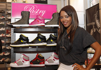 Angela Simmons Pastry display