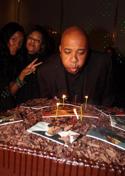 Rev Run Bday cake